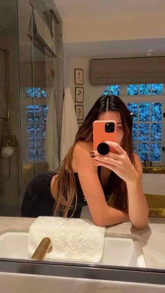 It's OK to learn how to dress with Kendall, but skin care is not插图3