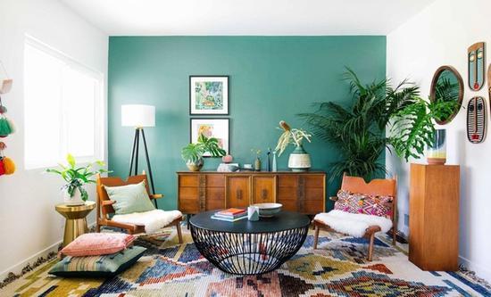 让家中墙面焕然一新的小技巧 图片源自www.thezoereport.com
