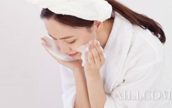 Serious makeup also acne? This skin is really hard to take插图4