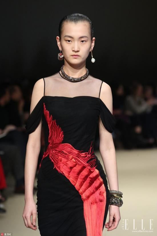 Alexander McQueen巴黎时装周秀场