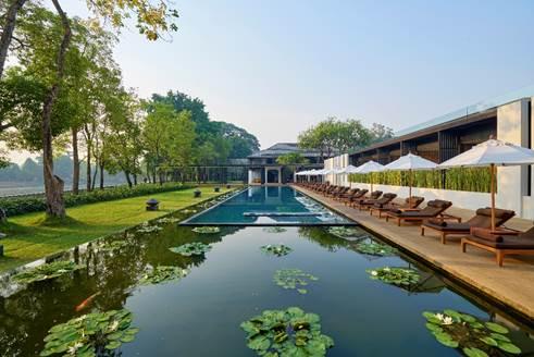 """泰国""""清迈安纳塔拉度假酒店""""河畔泳池景观"""