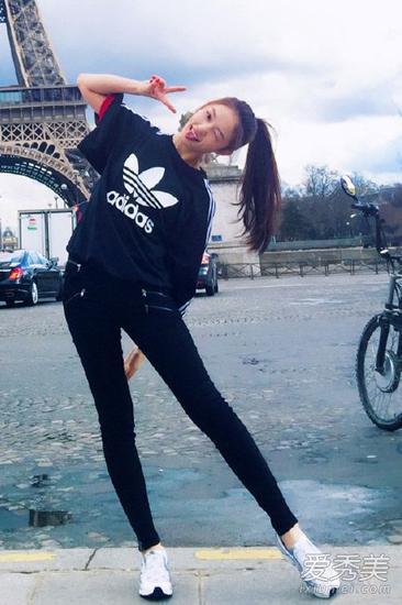 林允巴黎街拍