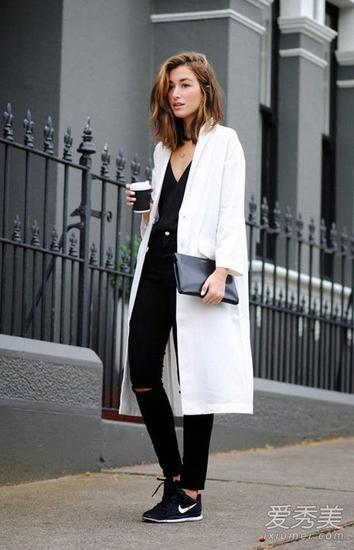 白色長款大衣