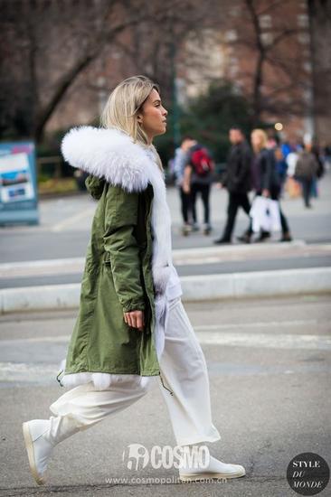 闊腿褲、裙子搭配派克大衣