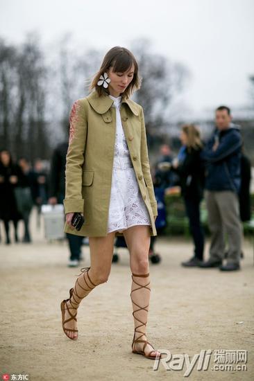 直男嫌丑的罗马鞋 江疏影林允穿出时髦感 服饰潮流 图9
