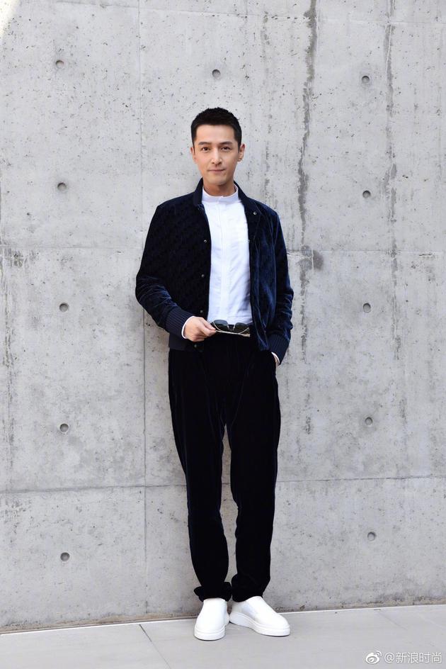 胡歌亮相Emporio Armani 2018春夏男装秀