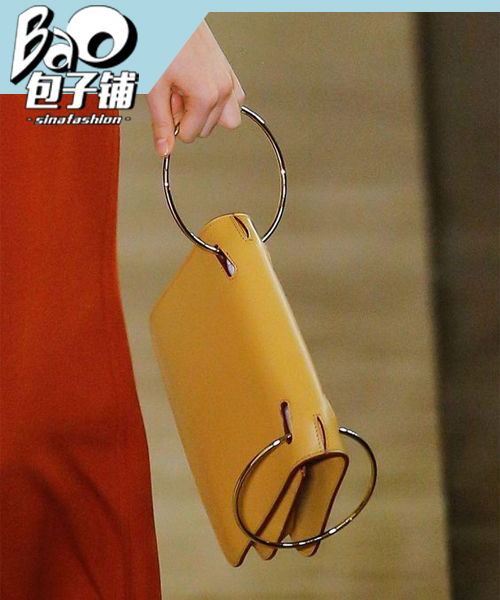 Roksanda的金属包包