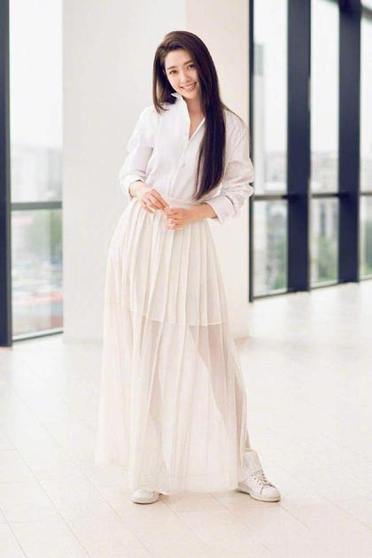郭碧婷穿長裙