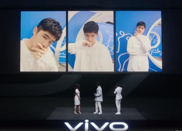 vivo S7超豪华代言阵容!LISA和刘昊然示范自拍姿势 这也太可了!