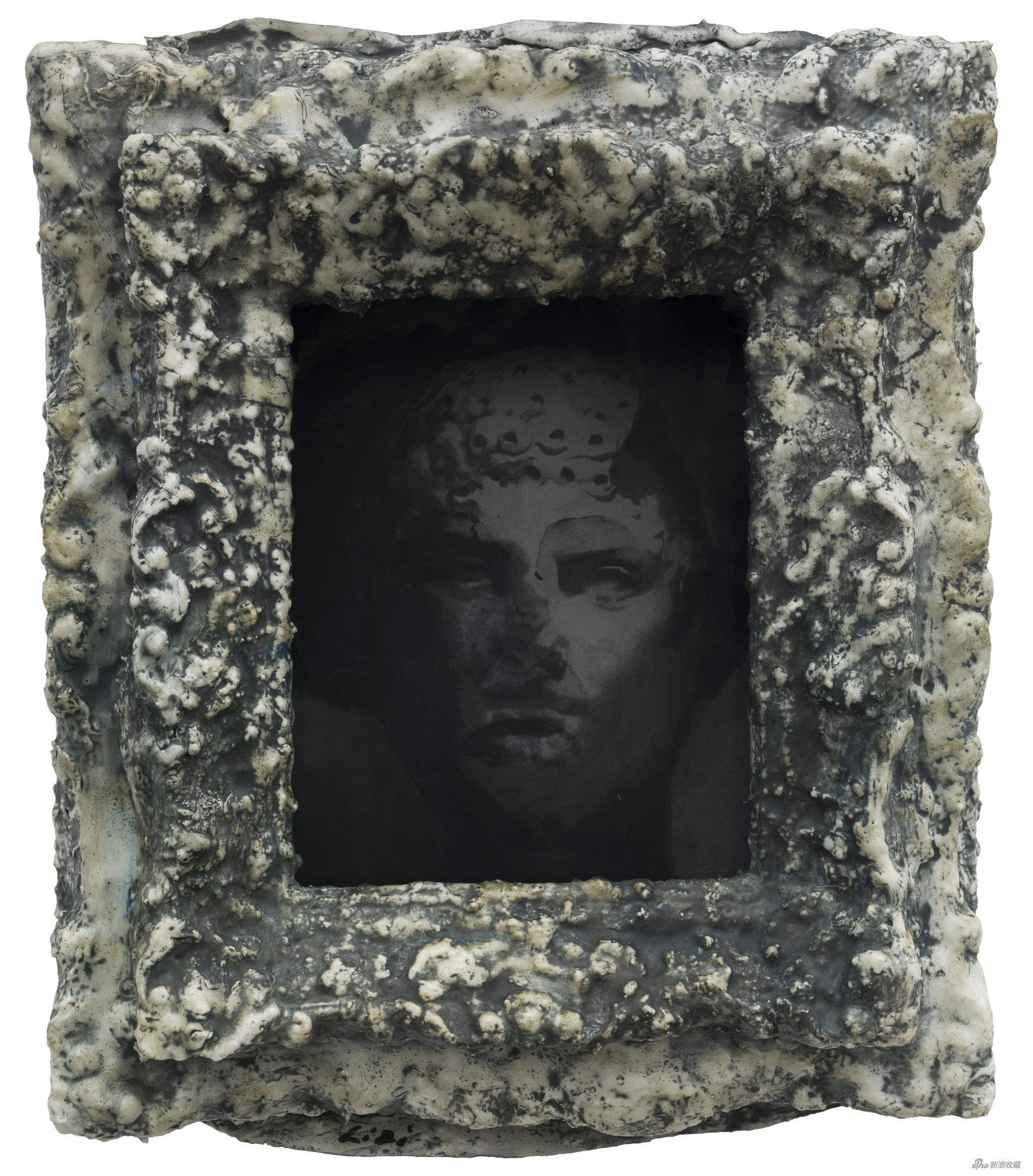 幻影 綜合材料、絲綢 48 x 39 x 14 cm 2017