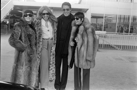 1973年Halston与Kay Thompson,Jane Holzer,Liza Minnelli抵达法国普罗旺斯马赛机场