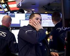 美国三大股指12日暴跌超9%创33年之最