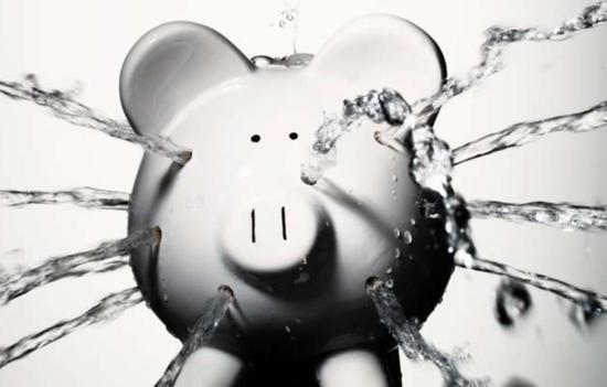 新华网:让偷拍者付出代价