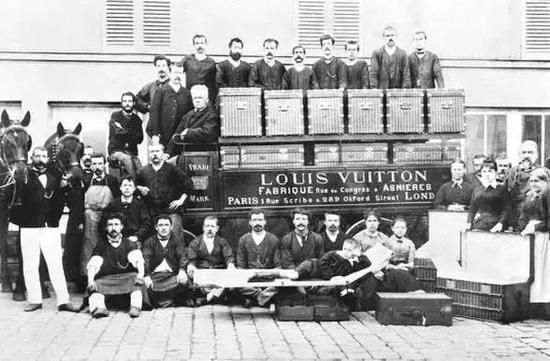 路易威登早期的旅行箱产品