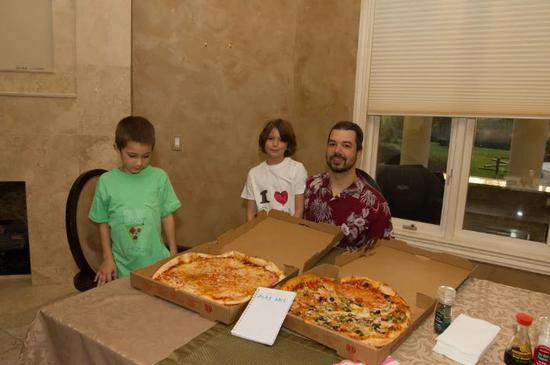 当初花一万比特币买披萨的人 现在怎么样了?