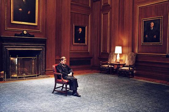 金斯伯格:改变了美国最高法院的女性大法官