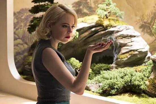 石头姐在《疯子》中的外演令人印象深切