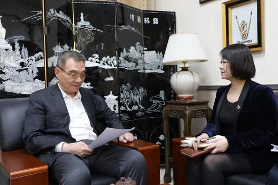 △林毅夫接受光明日报记者专访