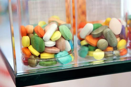 但有更多的药企对这样大规模的集采存有质疑。