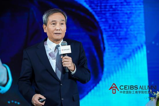 中欧国际工商学院荣誉退休教授陈杰平