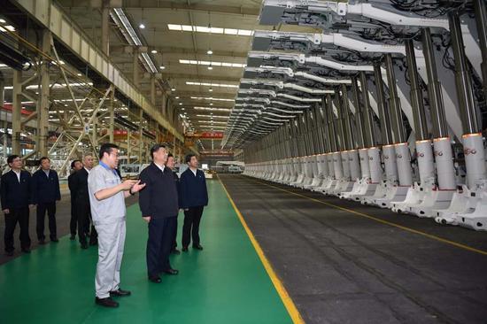 习近平:一定要把我国制造业搞上去 把实体经济搞上去