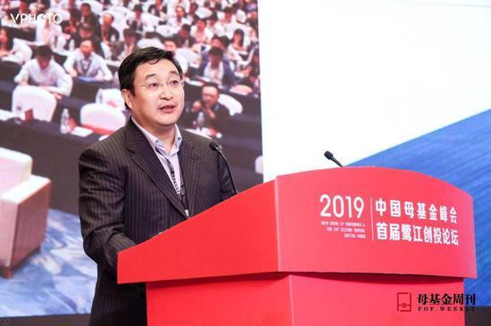 中国国新控股副总经理 黄耀文