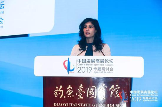 公报显示:中国对外直接投资流量和存量居全球前三