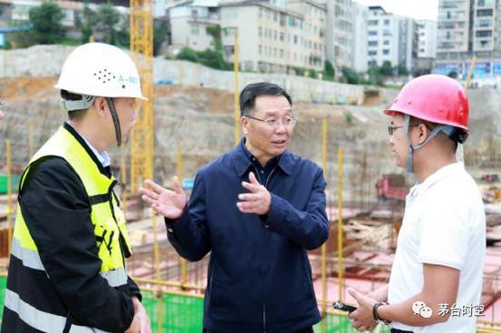 上海:缩短临港新片区居转户年限 核心人才缩短为3年