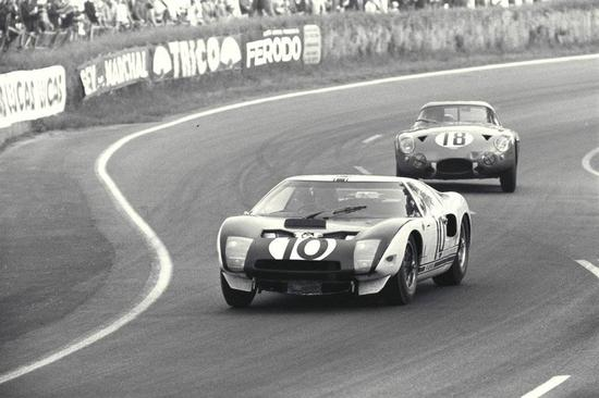 (Ford GT40 Prototype)