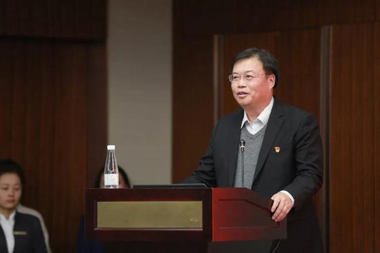 集团党委书记、总裁莫斌作工作部署