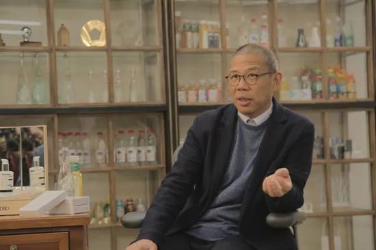 农夫山泉背后的神秘富豪钟睒睒:曾为宗庆后打工靠做保健品起家_新浪 ...