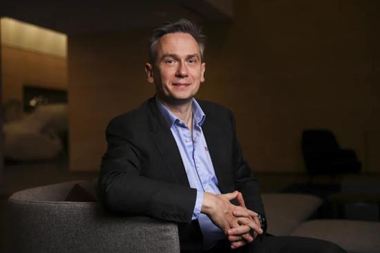 力拓CEO夏杰思,摄于2020年2月。图片来源:SIMON DAWSON—BLOOMBERG/GETTY IMAGES