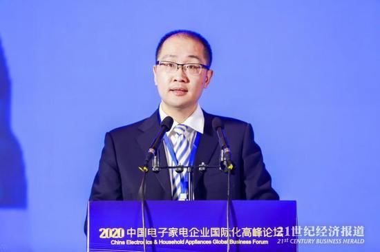 商务部官员:针对外贸运价大涨 汇率升值等问题,将制定解决政策