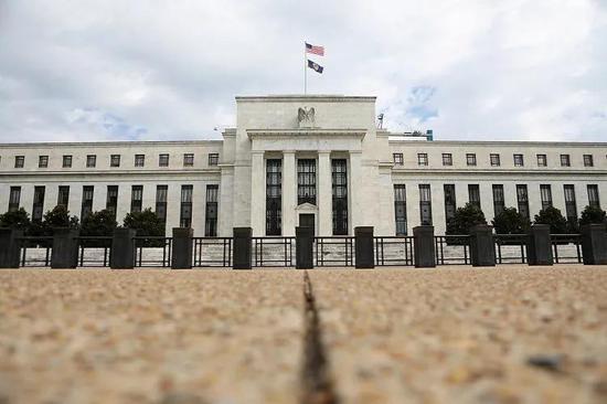 """美联储埃文斯:通胀达2.5%不算""""出界"""" 但未来升势令人不适"""