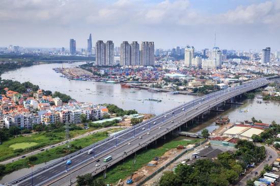 越南股市大涨56%领跑全球 现在还能上车吗?