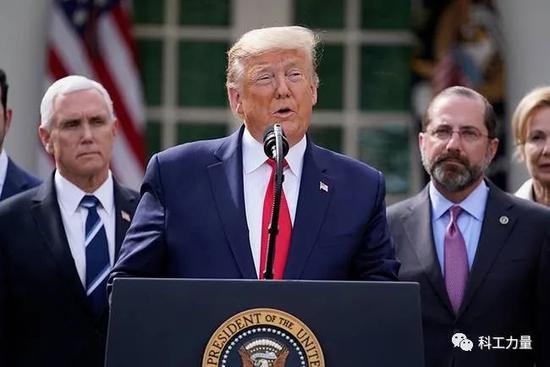 """3月13日,美国总统特朗普宣布美国进入""""国家紧急状态""""。图/海外网"""