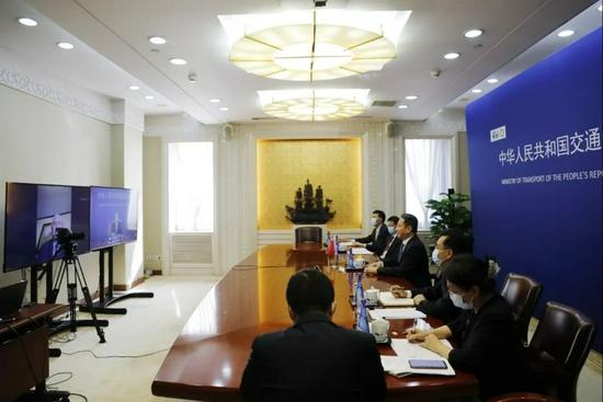 李小鹏视频会见哥斯达黎加公共工程和交通部长