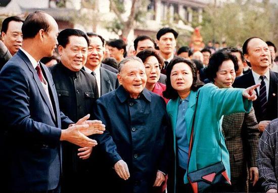 ▲1992年,邓幼平南方说话推动了吾国社会主义市场经济体制的竖立