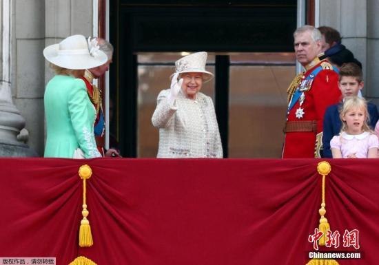 材料图:英女王伊丽莎白二世。