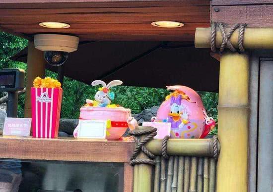 迪士尼角色桶装爆米花120元/桶