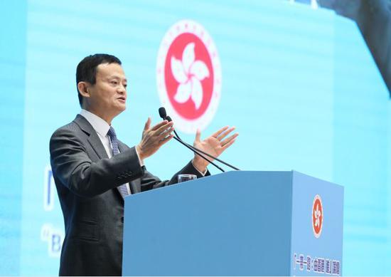 ▲马云 |中国企业家俱笑部主席、阿里巴巴集团董事局主席