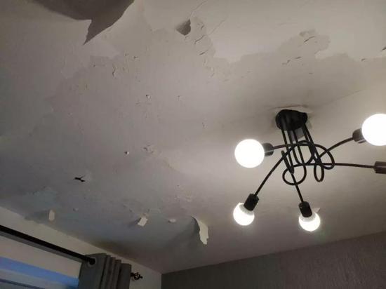 ▲漏水的蛋壳公寓