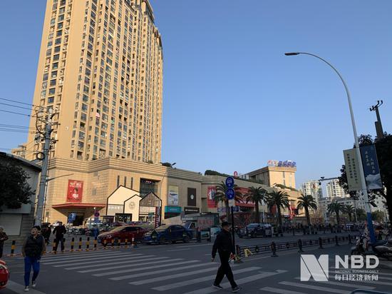 """""""宝能系""""上位第一大股东南宁百货连续三天涨停"""