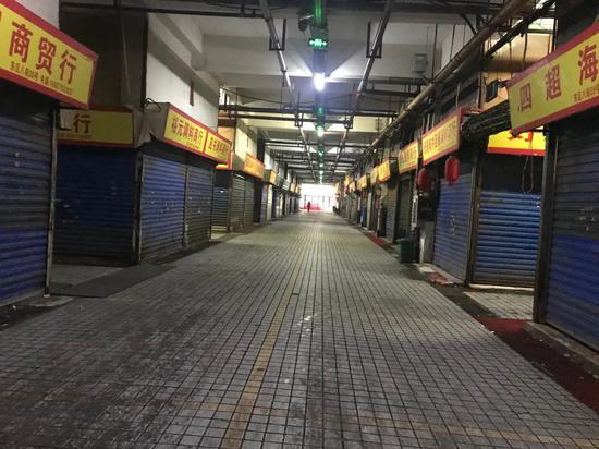 """华南海鲜市场潜伏的一家四口被隔离 带头的""""老顾""""找到了"""