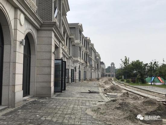 暂停施工的芙蓉街图片来源:镁编摄