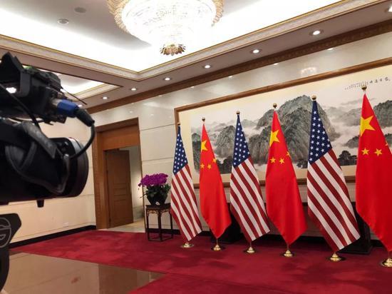环球时报社评:经贸团队给中美动荡关系压了压舱