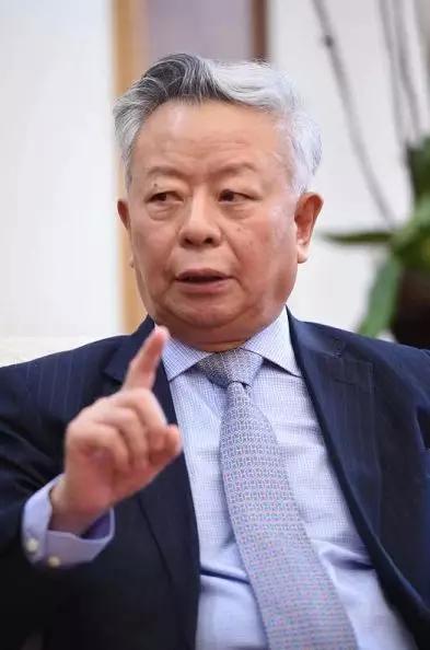 亚洲基础设施投资银走走长金立群授与中新社经济部专访