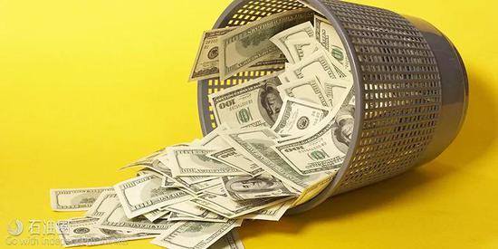 """美元、石油和利率,说到底算得上是""""同宗同源""""。"""