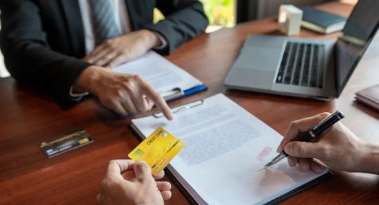 私人银行客户上半年涨了7.7万 有钱人更爱存钱了?