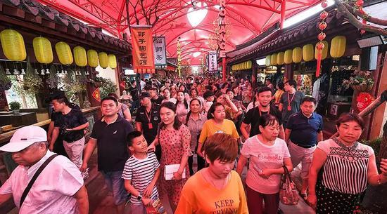 临港新片区新政支持金融业发展:与16家金融机构签约